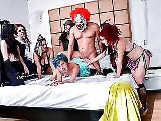 MAMACITAZ - Wild Group Sex With Naughty Teens Siarilin Martinez And Elisa Odiosa