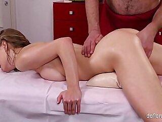 Russian babe Gwyneth massaged full naked body