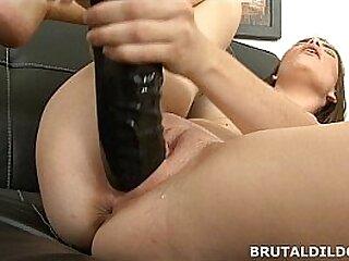 Amateur brunette Ennie moans and fucks a big black dildo