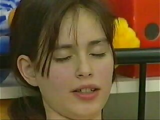 Sandra (Melanie) German teen masturbates